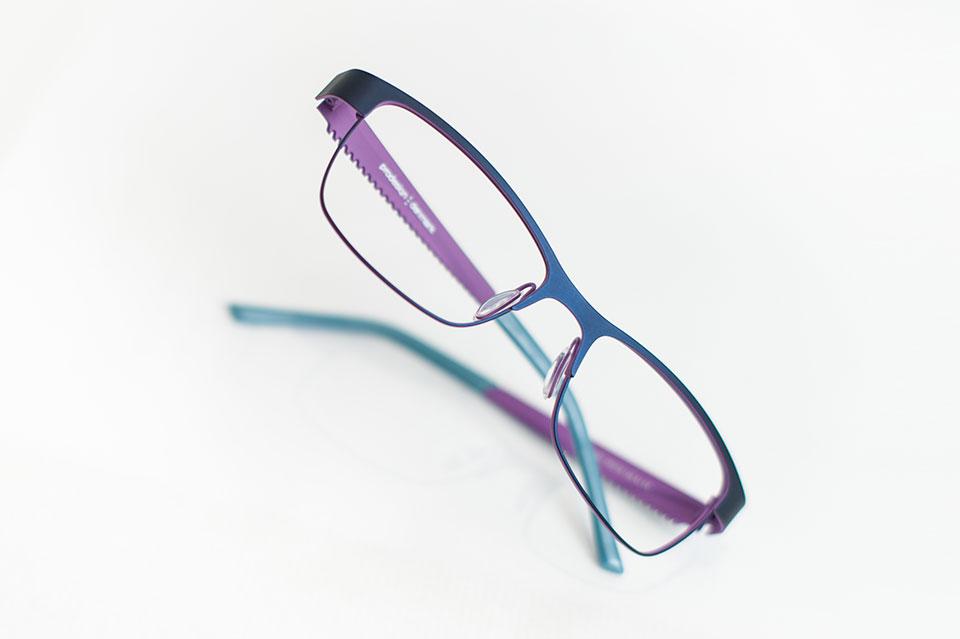 8c965cf2a9 En Óptica Eguren nos preocupamos por ti. Velamos por tu salud visual, sin  renunciar a la moda. Te ofrecemos una amplia selección en gafas graduadas  de las ...